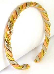 B51: Three Colour Rolled Bangle